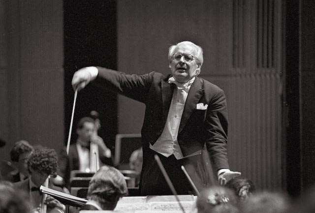 "Franz-Paul Decker conducting Richard Strauss ""Die Rosenkavalier"" with the Bell Conservatory of Quebec Orchestra in 1991, Montreal"